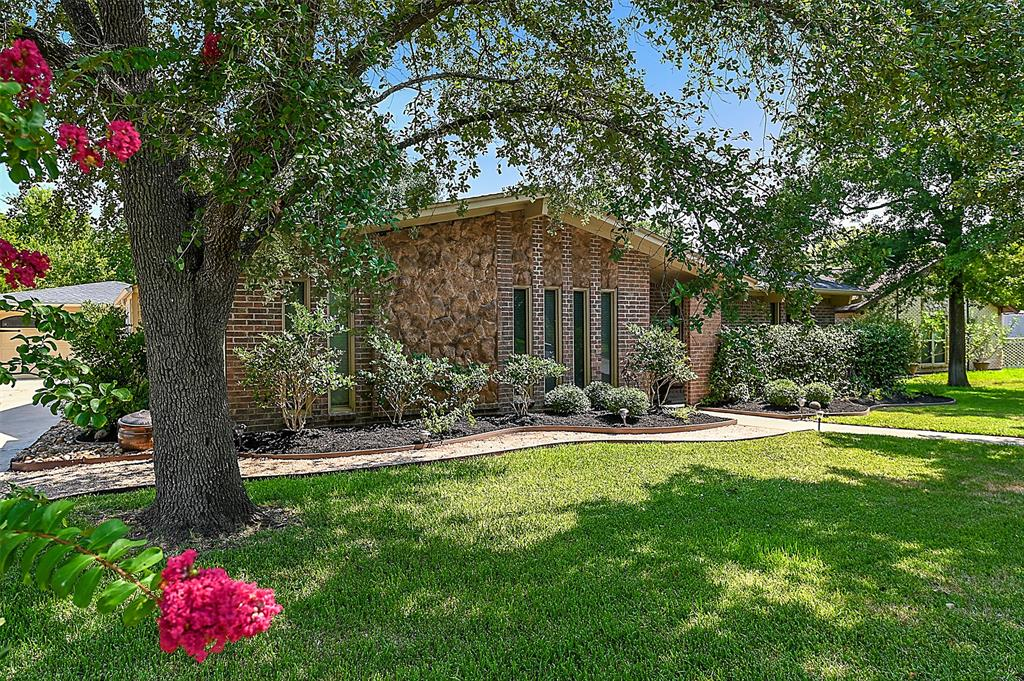 1805 Sabine Court, College Station, TX 77840