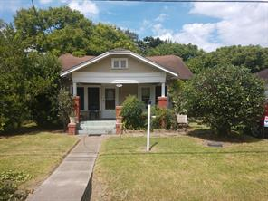 211 E 31st 1/2 Street, Houston, TX 77018