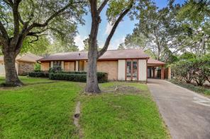 7102 Woodfern, Houston TX 77040
