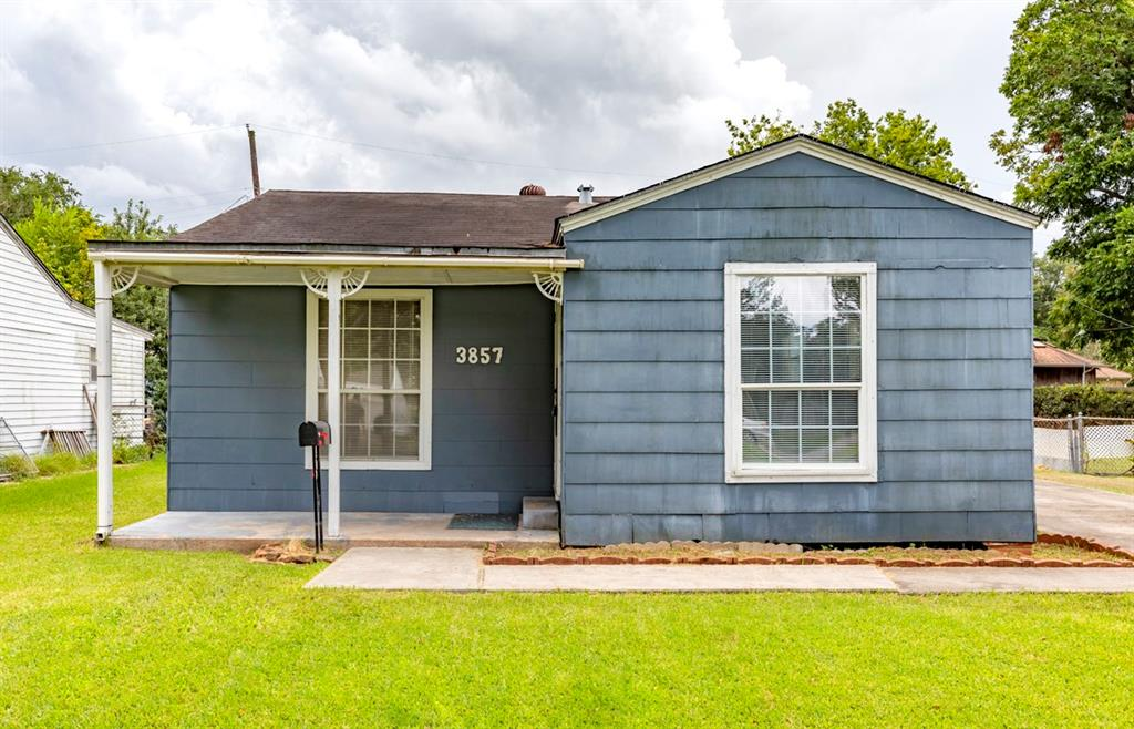3857 Kinard Street, Groves, TX 77619