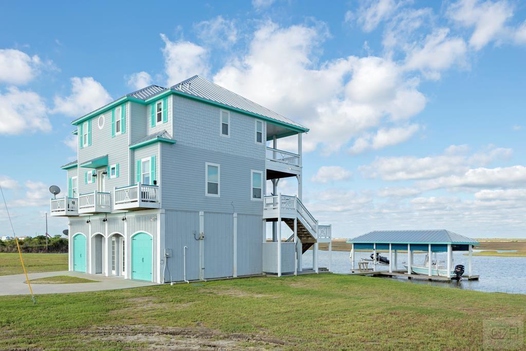 1309 Lagoon Drive, Crystal Beach, TX 77650