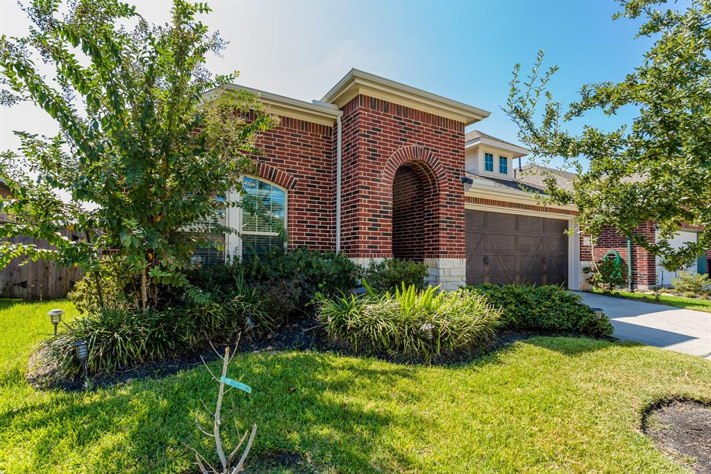 155 Castlegate Lane, Houston, TX 77065