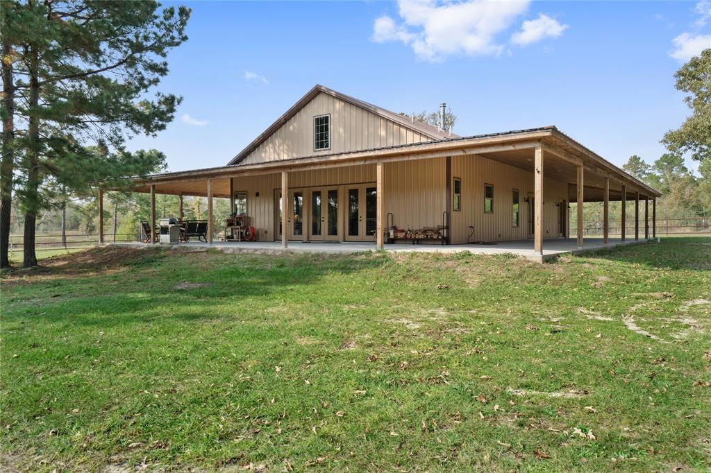 621 Birdwell Road, Bedias, TX 77831
