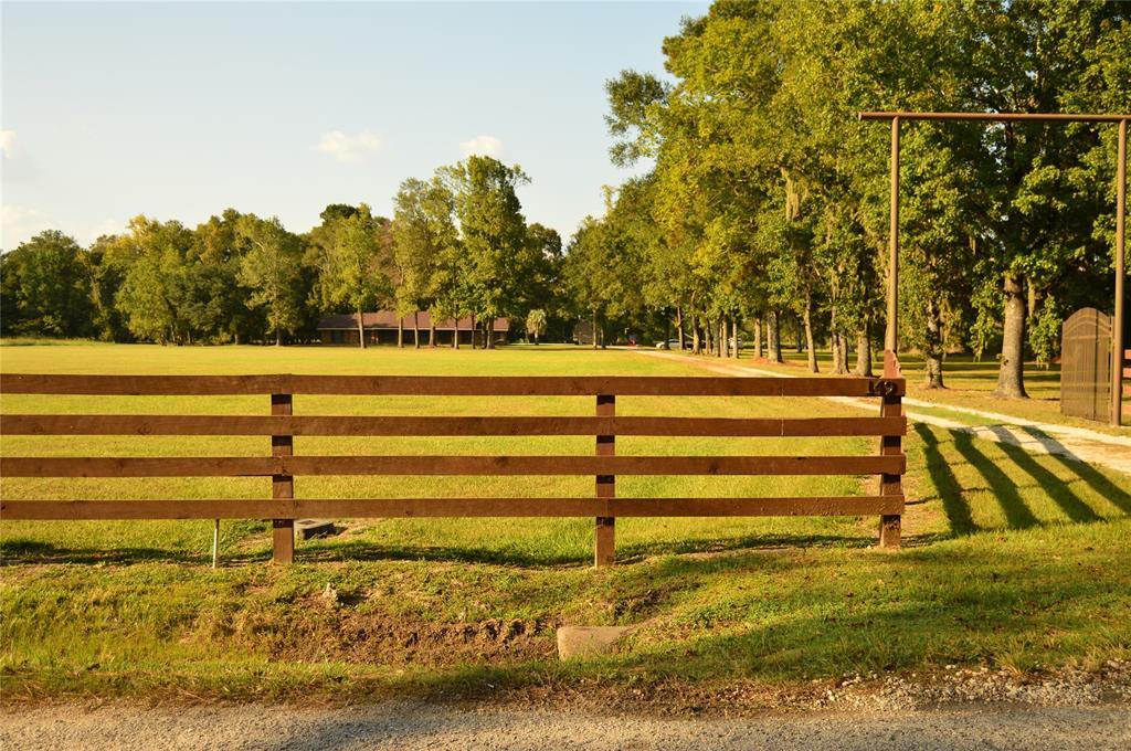 149 County Road 2066, Hardin, TX 77561