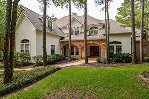 70 N Wooded Brook Circle, The Woodlands, TX 77382