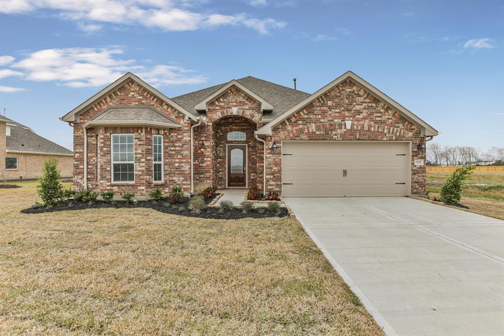 15011 Icet Creek Ave, Mont Belvieu, TX 77523