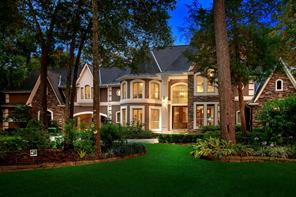 30 N Longspur Drive, The Woodlands, TX 77380