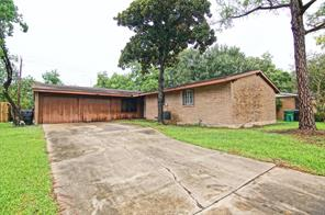 6718 Sharpview, Houston TX 77074