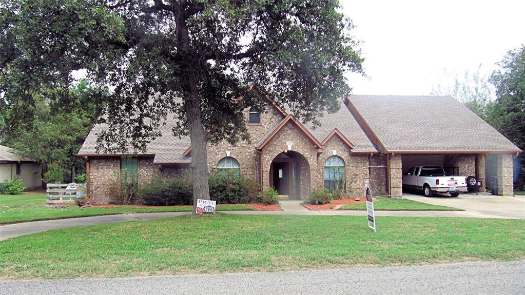 184 N Golfview Drive, Hilltop Lakes, TX 77871