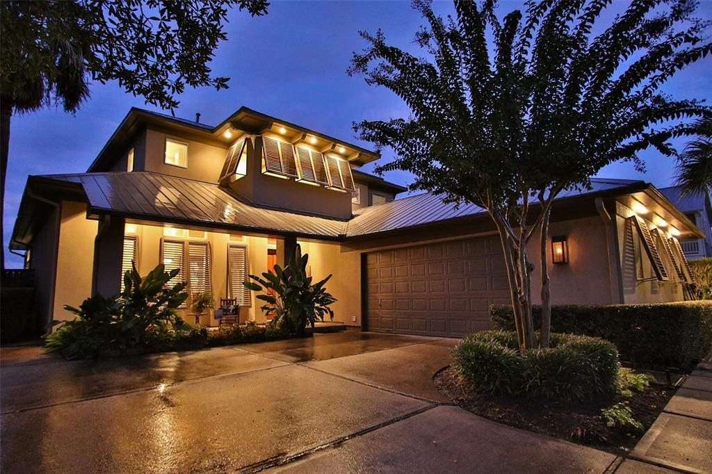 611 Harborside Way, Kemah, TX 77565
