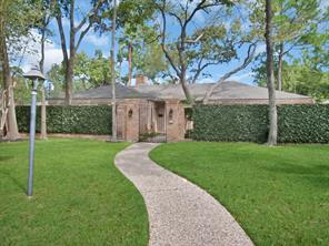 11 Briar Hill Drive, Houston, TX 77042