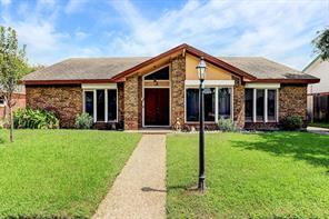 8 Colony Park Circle, Galveston, TX 77551