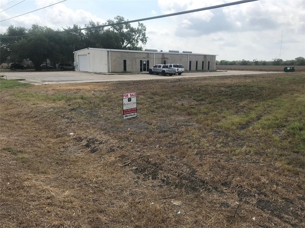 000 Lone Tree RD Road, Victoria, TX 77901