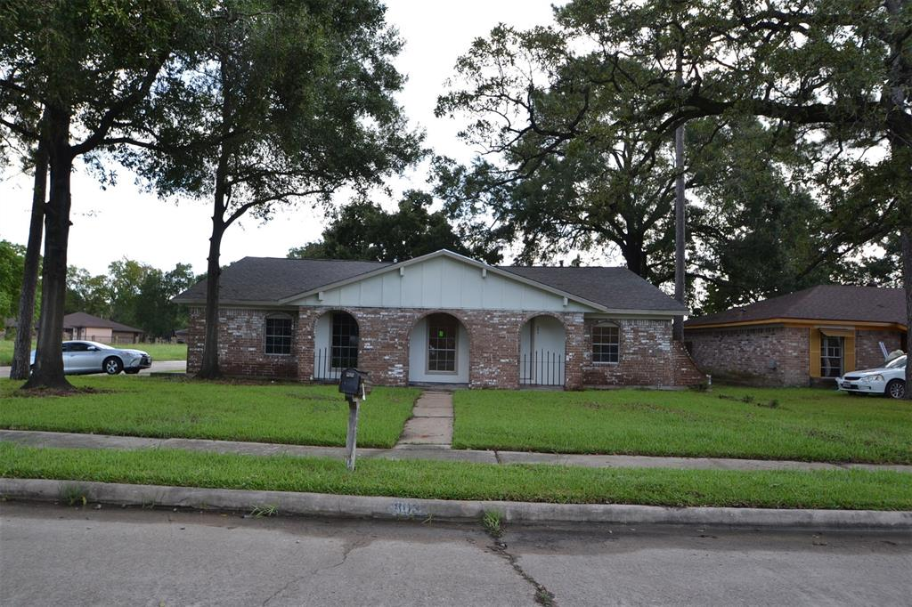 803 Centerwood Drive, Houston, TX 77013