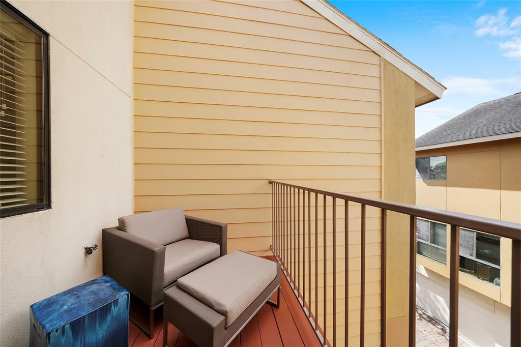 One more outdoor space at the master suite balcony.