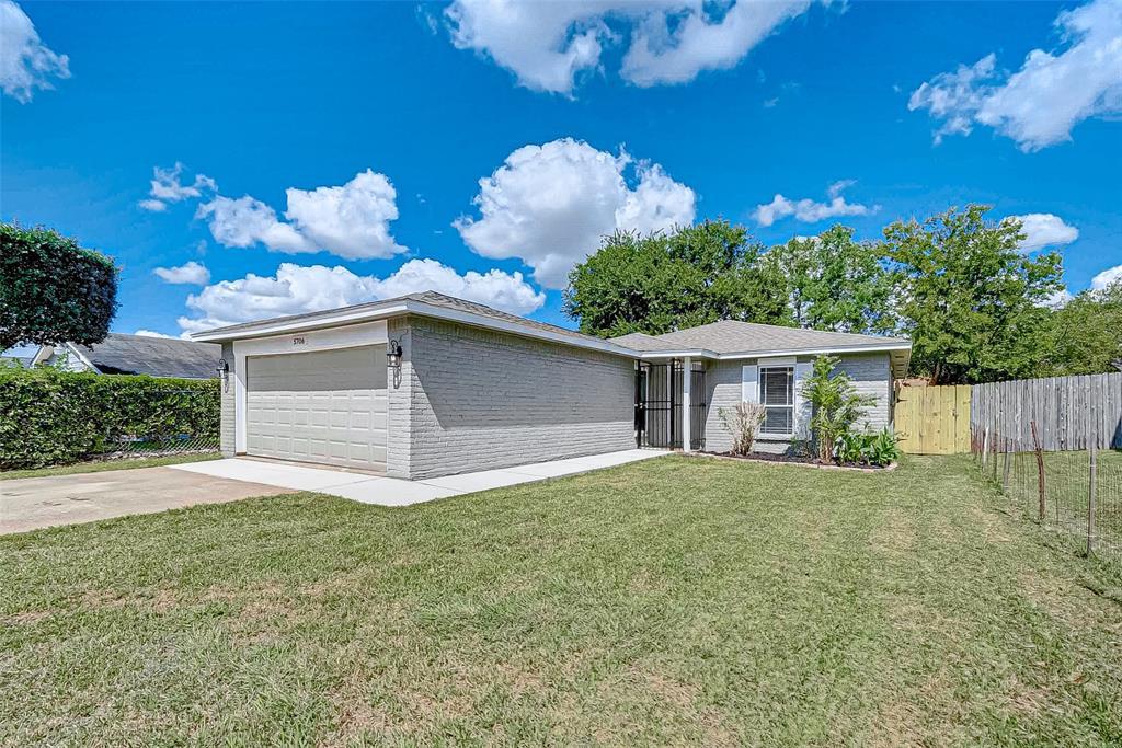 5706 Drakestone Boulevard, Houston, TX 77053