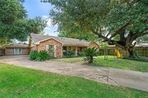 9214 goldcrest street, houston, TX 77022