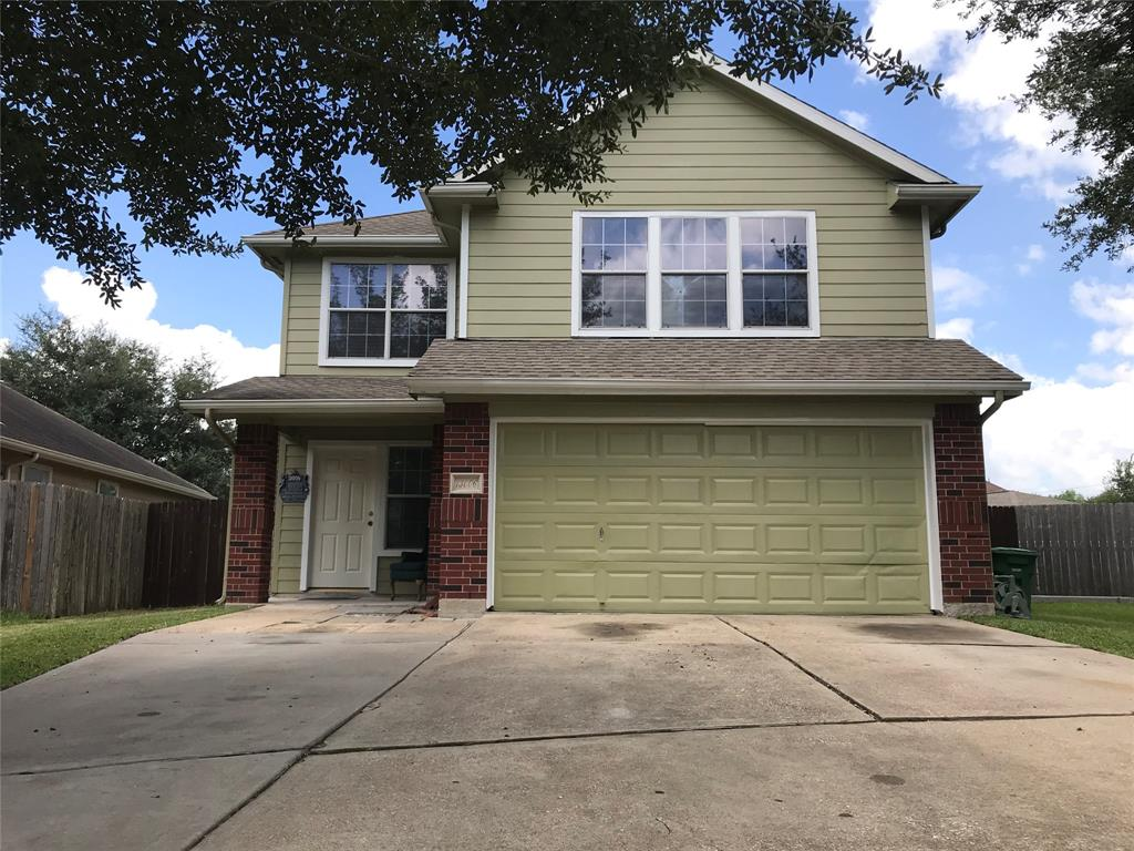 This awesome home is located in a very convenient location close to Medical Center,Galleria and Down town as well as various shopping center for all your needs. This beautiful home is waiting for a new owner with four bedroom and two and a half bath ,large back yard  on a cal-de -sac,st lot a potential stop by to take  see it your self