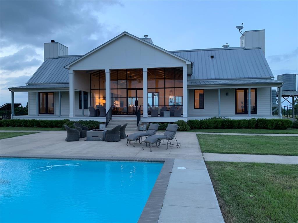 1373 Shupak Road, Bellville, TX 77418