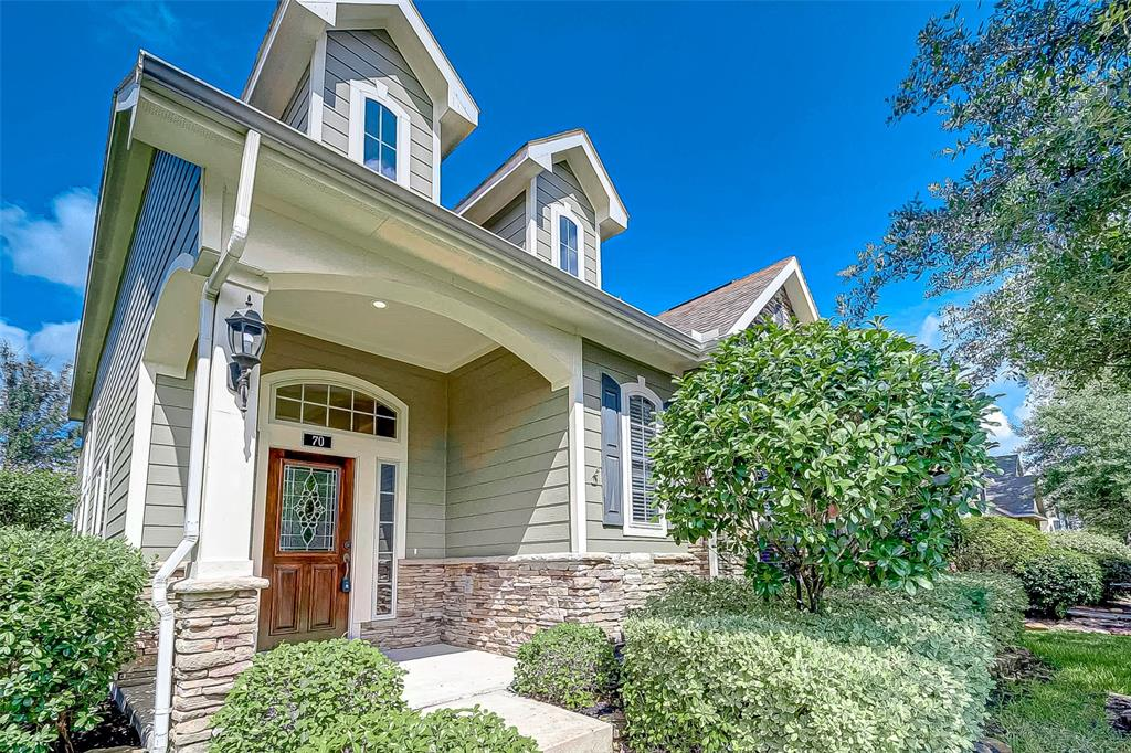 Come check out this stunning home in The Woodlands!!  This home has been all new paint, flooring and upgrades!!  Locate in The Woodlands with fine schools and tons of shopping and entertainment.  This home will not last long!!  Make your appointment to view today