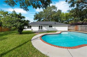 10523 Ivyridge, Houston TX 77043