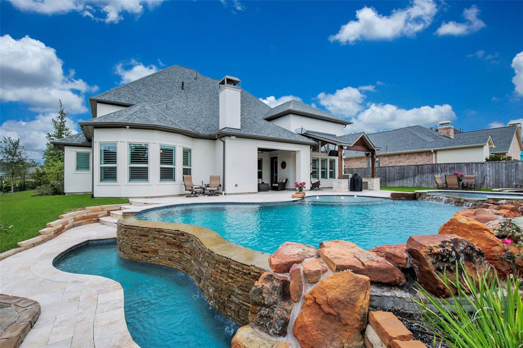 2 Hollyflower Place, The Woodlands, TX 77375