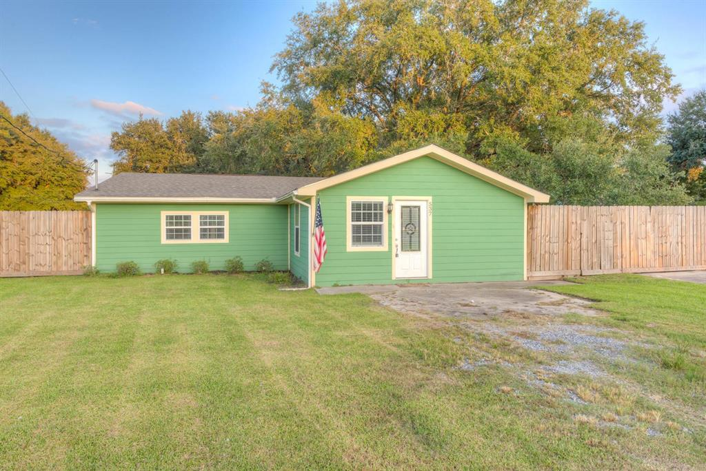 537 Bland Drive, Bridge City, TX 77611