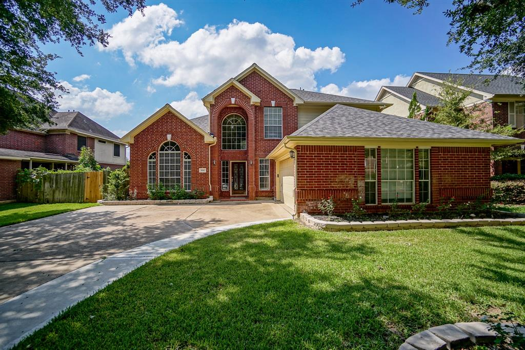 Located in a  Beautiful New Territory Area  with breathtaking and serene water view this house has been recently updated with new Paint , Granite counter tops and new flooring .Both formals and spacious family room .Large master bedroom downstairs , big game room and other bedrooms upstairs.