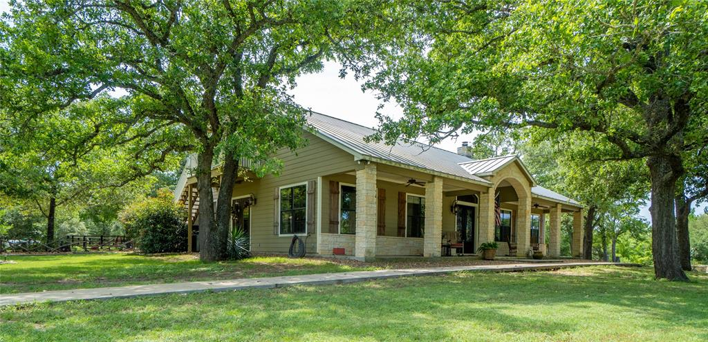 4530 Cowan Road, Flatonia, TX 78941
