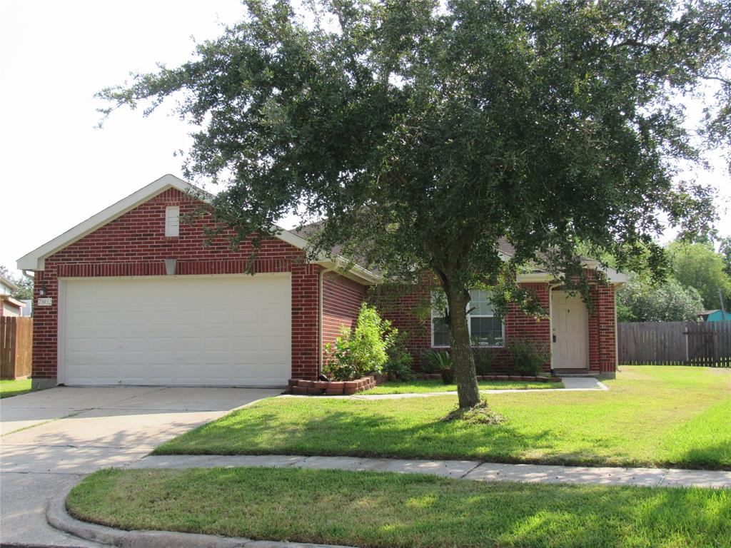 7802 Forest Stone Street, Baytown, TX 77523