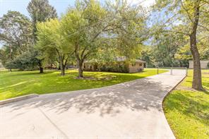 23252 willowick street, new caney, TX 77357