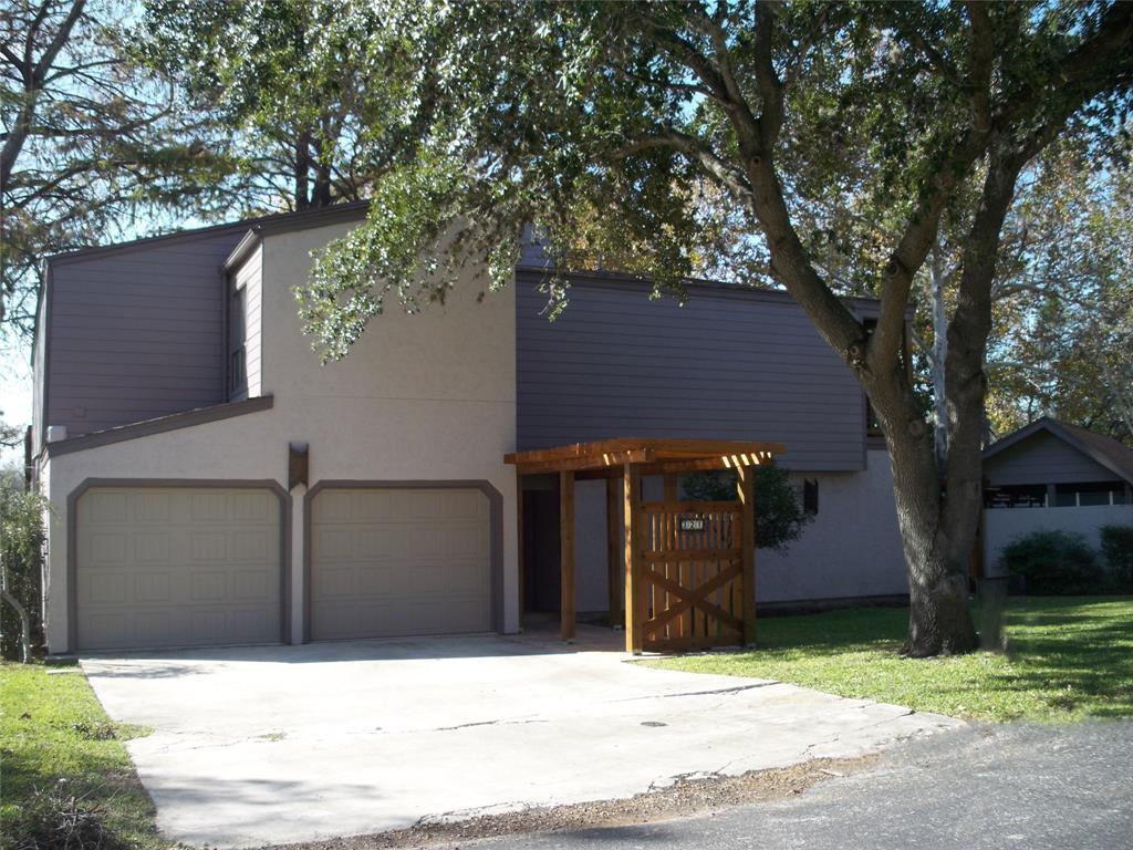 321 Admiral Benbow Lane, McQueeney, TX 78123