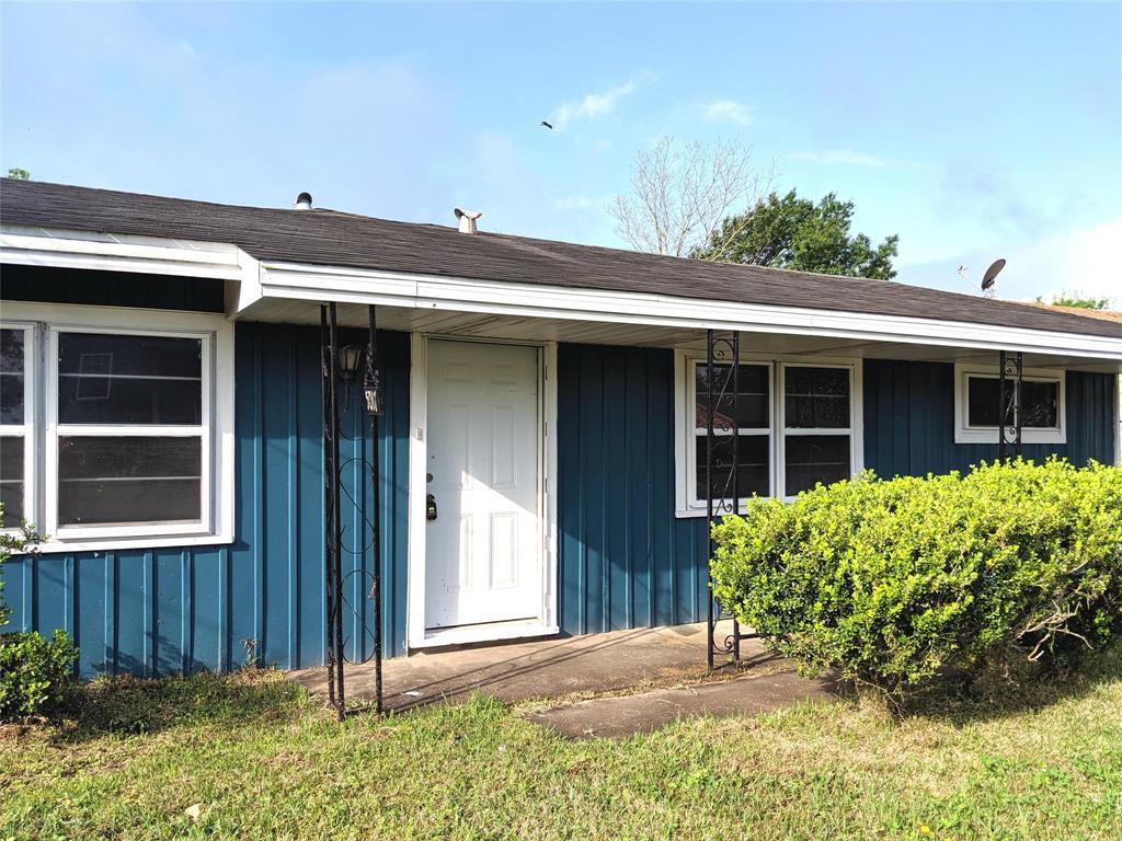 5017 Waco Avenue, Port Arthur, TX 77640
