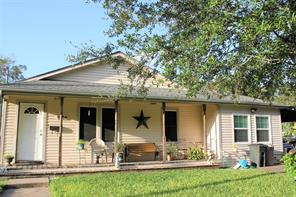 1006 Maple, Clute, TX 77531