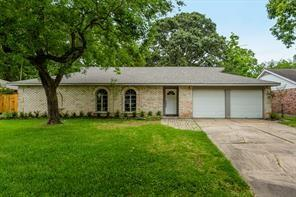 304 Dover, Friendswood, TX, 77546