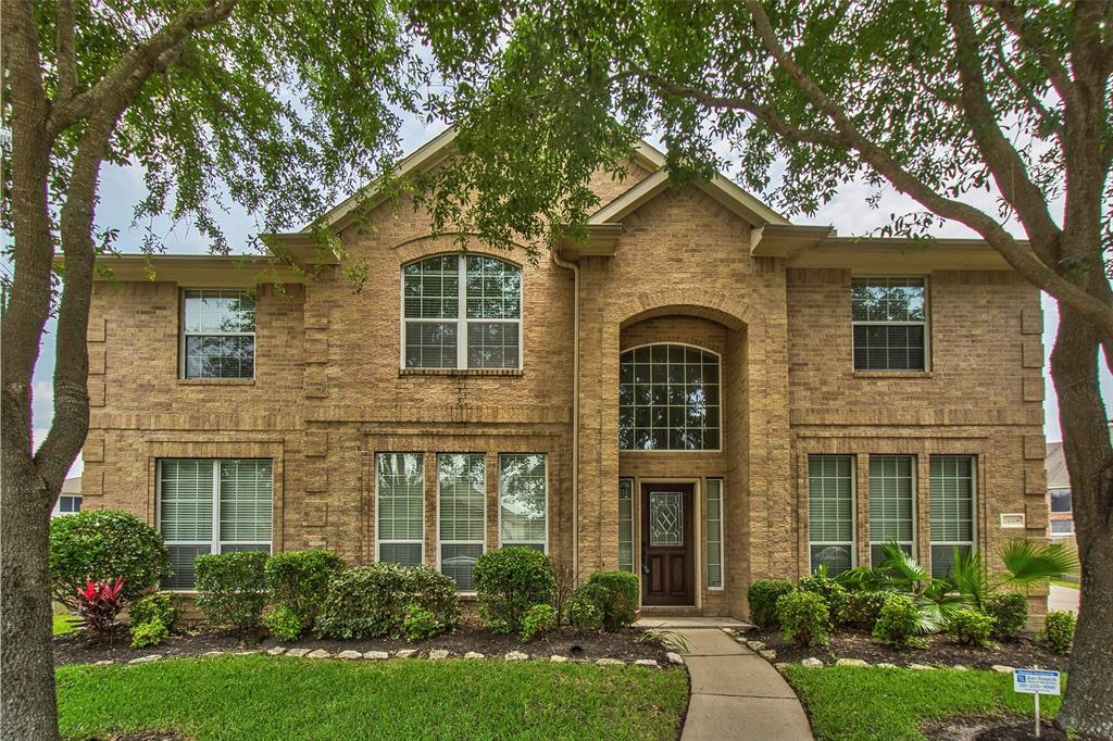 HOME DID NOT FLOOD.  Meritage Home, 2-Story, 4040 sqft, 5BR & 3BA, 2 car garage in the quiet subdivision of Riverpark West.  Home is located on a cul-de-sac street.  Light and bright, high ceiling, tile in entry, wet areas and carpet throughout.  Formal Living & Dining, Study/Library.  Granite kitchen counter tops, gas appliances and an island.  Master BR downstairs, tub and separate shower.  Gameroom & 4 bedrooms are upstairs.  House does need some TLC. Room sizes are approx