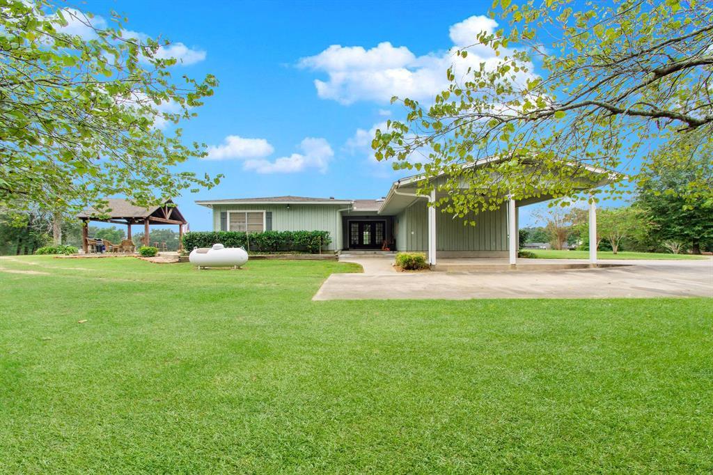 338 Hickory Hill Drive, Goodrich, TX 77335