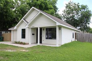 4221 clover street, houston, TX 77051