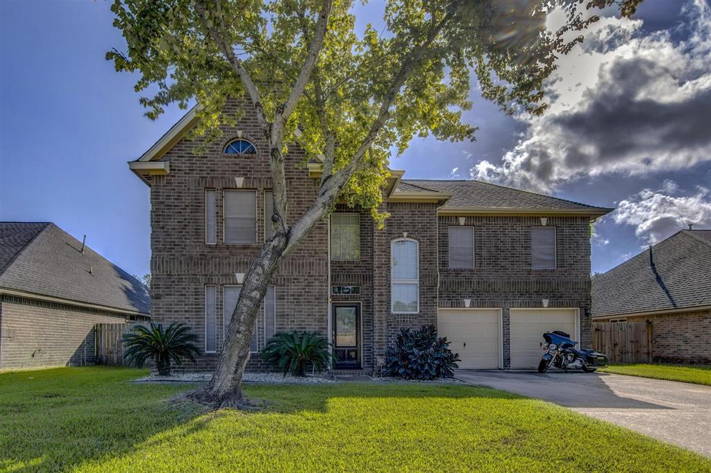 306 Dunford Court, Highlands, TX 77562
