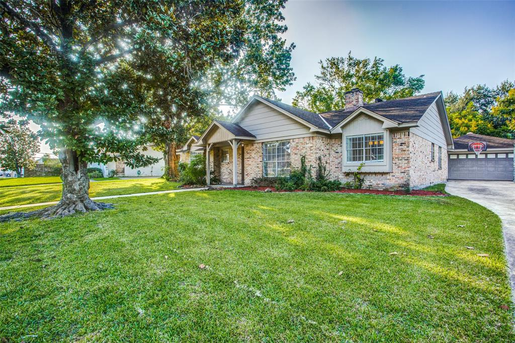 7707 Clarewood Drive, Houston, TX 77036
