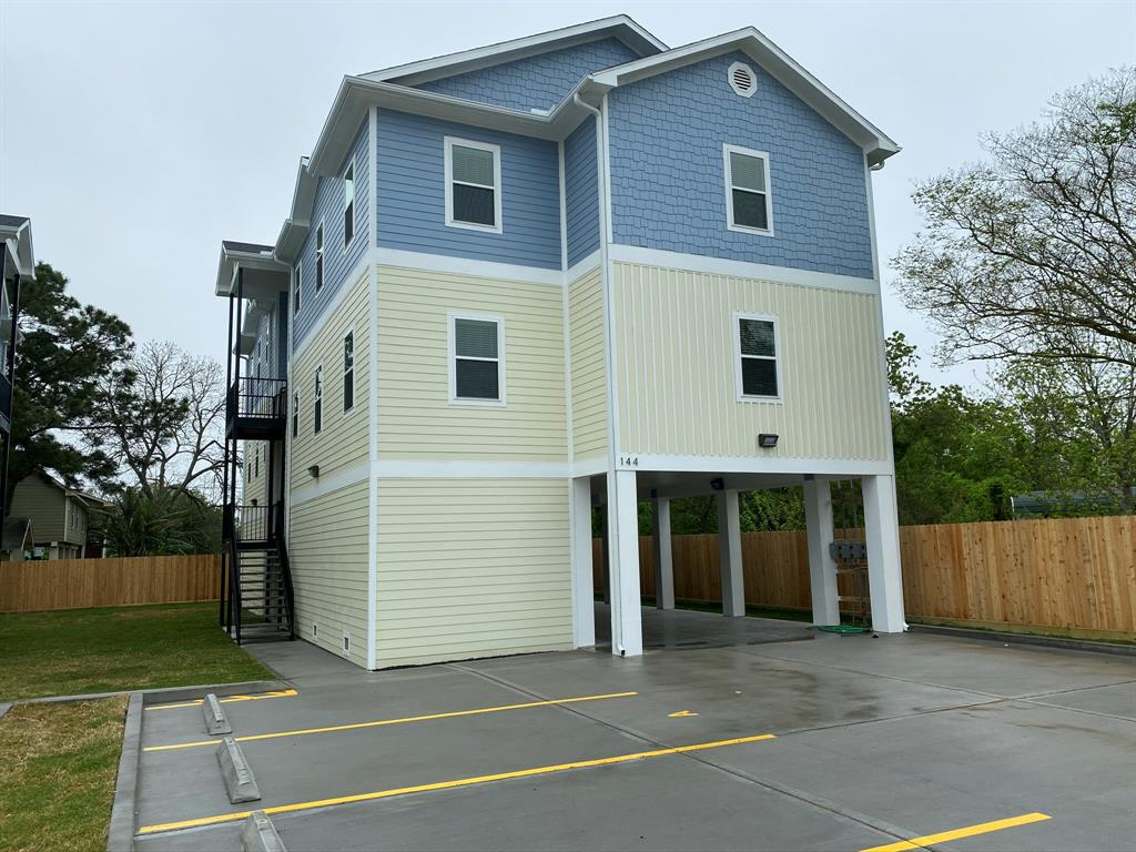 144 West 5th Street, Kemah, TX 77565