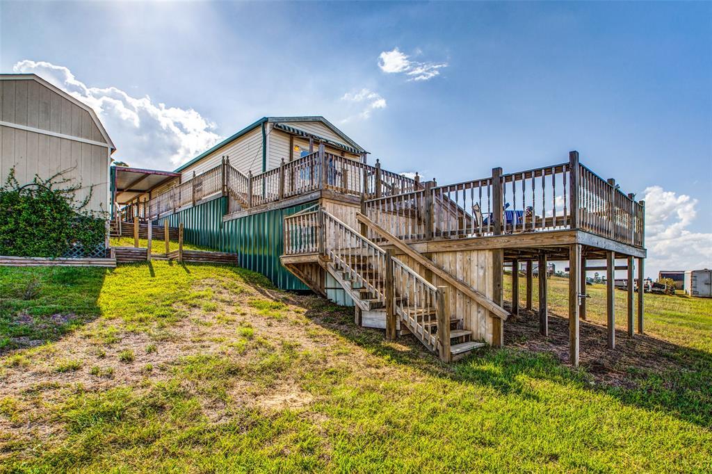 700 Lagoon Drive, Point Blank, TX 77364