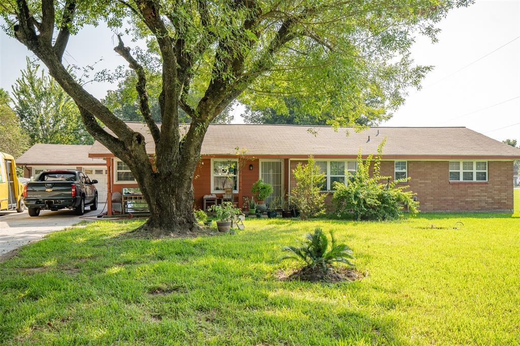 3305 Luella Avenue, Deer Park, TX 77536