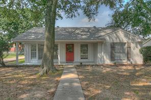 712 Clarence Street, Tomball, TX 77375