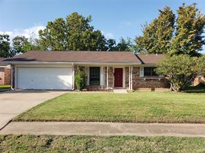 121 Talisman Street, Lake Jackson, TX 77566