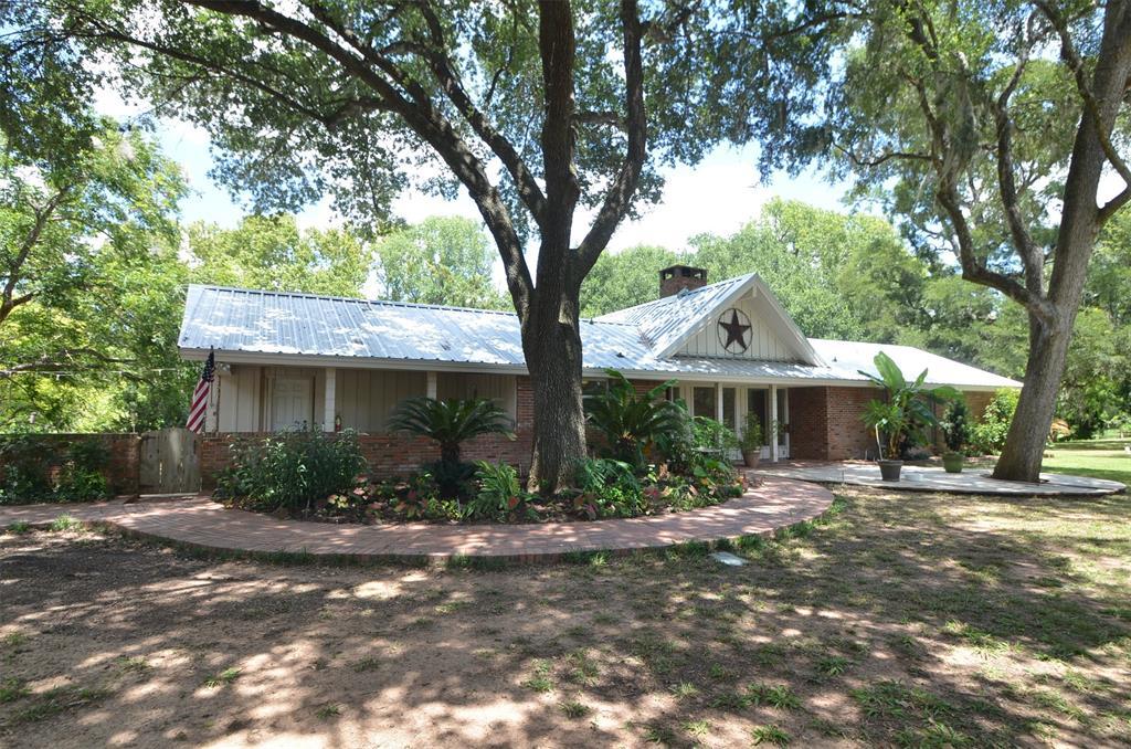 38310 Buckskin Road, Wallis, TX 77485