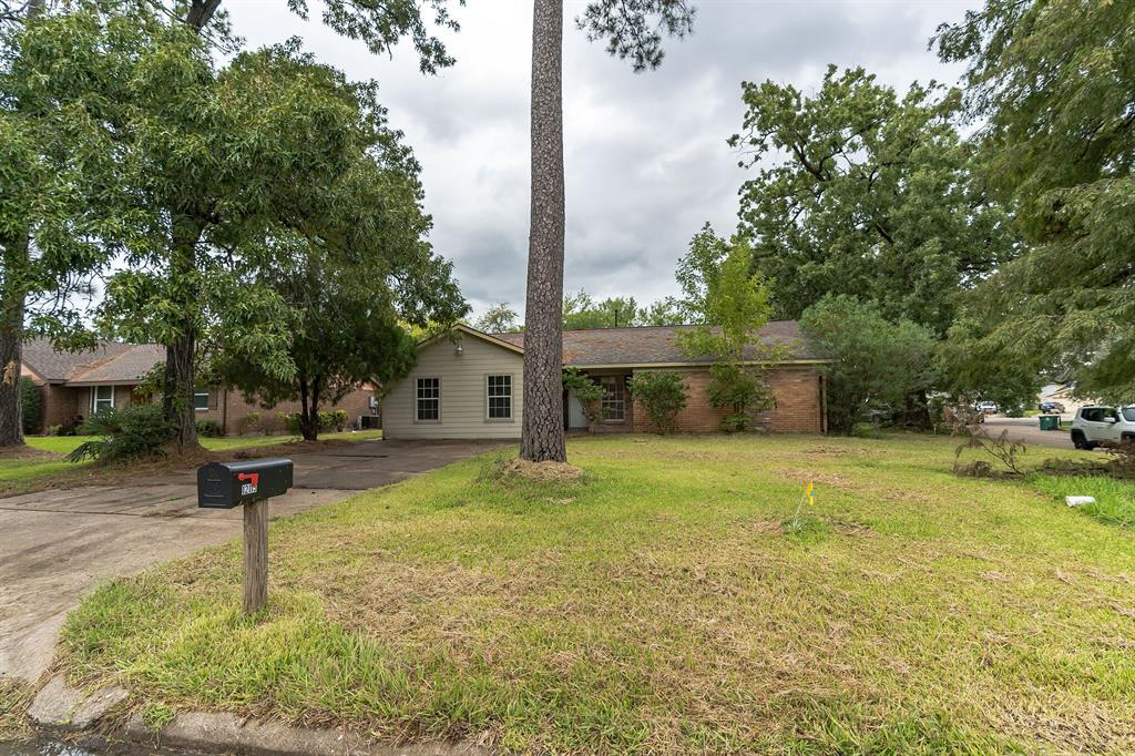 12115 Wood Forest Drive, Houston, TX 77013
