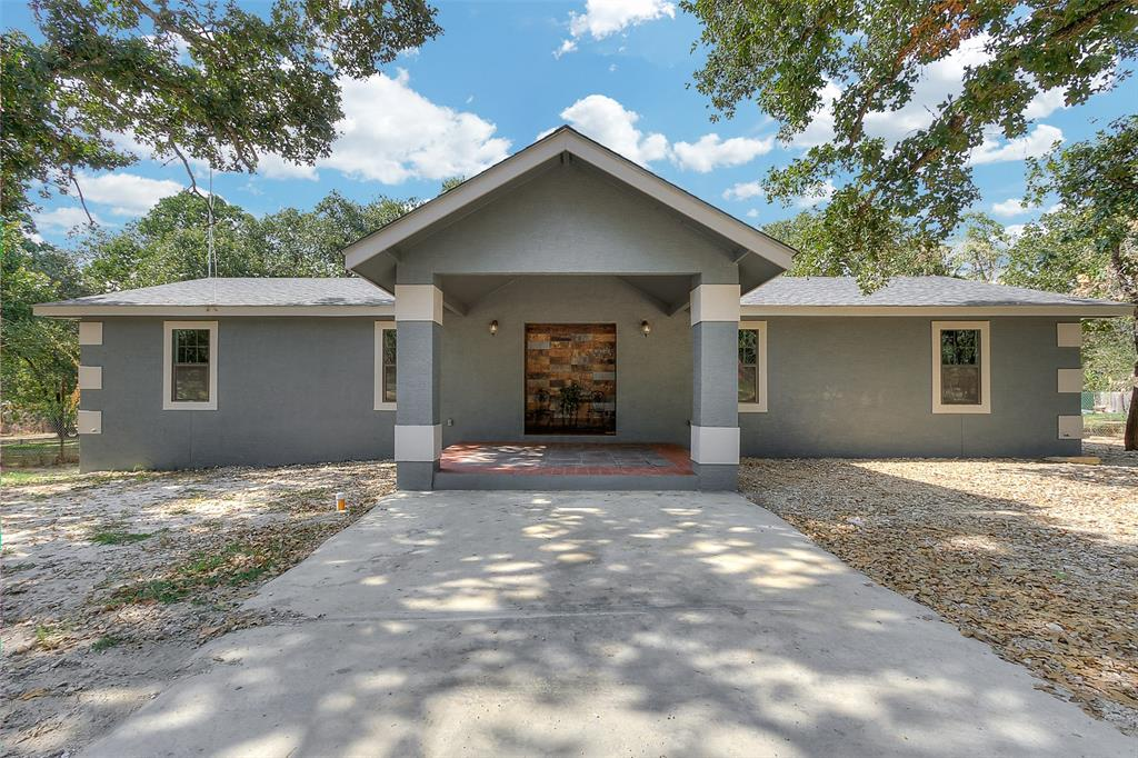 3935 New Mathis Road, Elmendorf, TX 78112