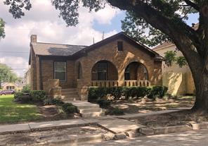 3001 oakdale street, houston, TX 77004