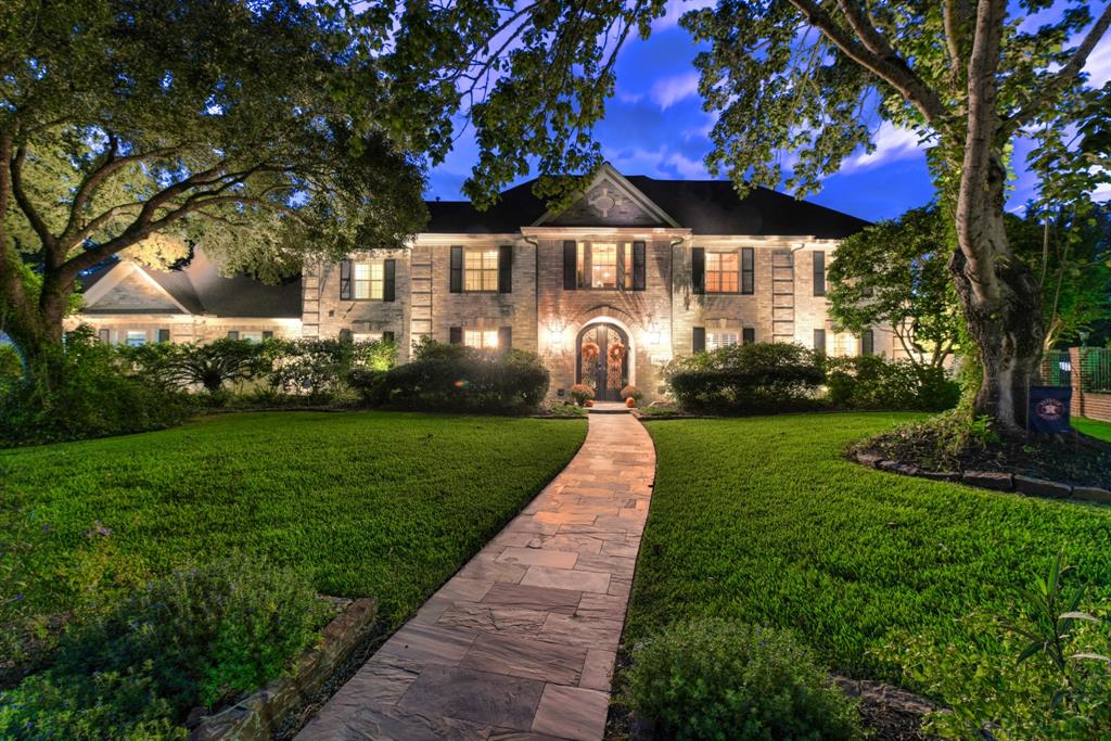 5603 Walnut Point Drive, Kingwood, TX 77345